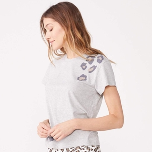 MONROW Oversized Leopard Print Relaxed Basic Crew Tops