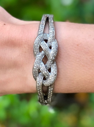 The Woods Fine Jewelry Knotted Pave Diamond Bangle Jewelry