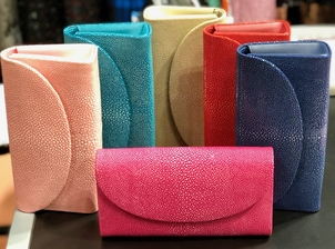 Baby Grande Stingray Clutch (+More Colors) Bags