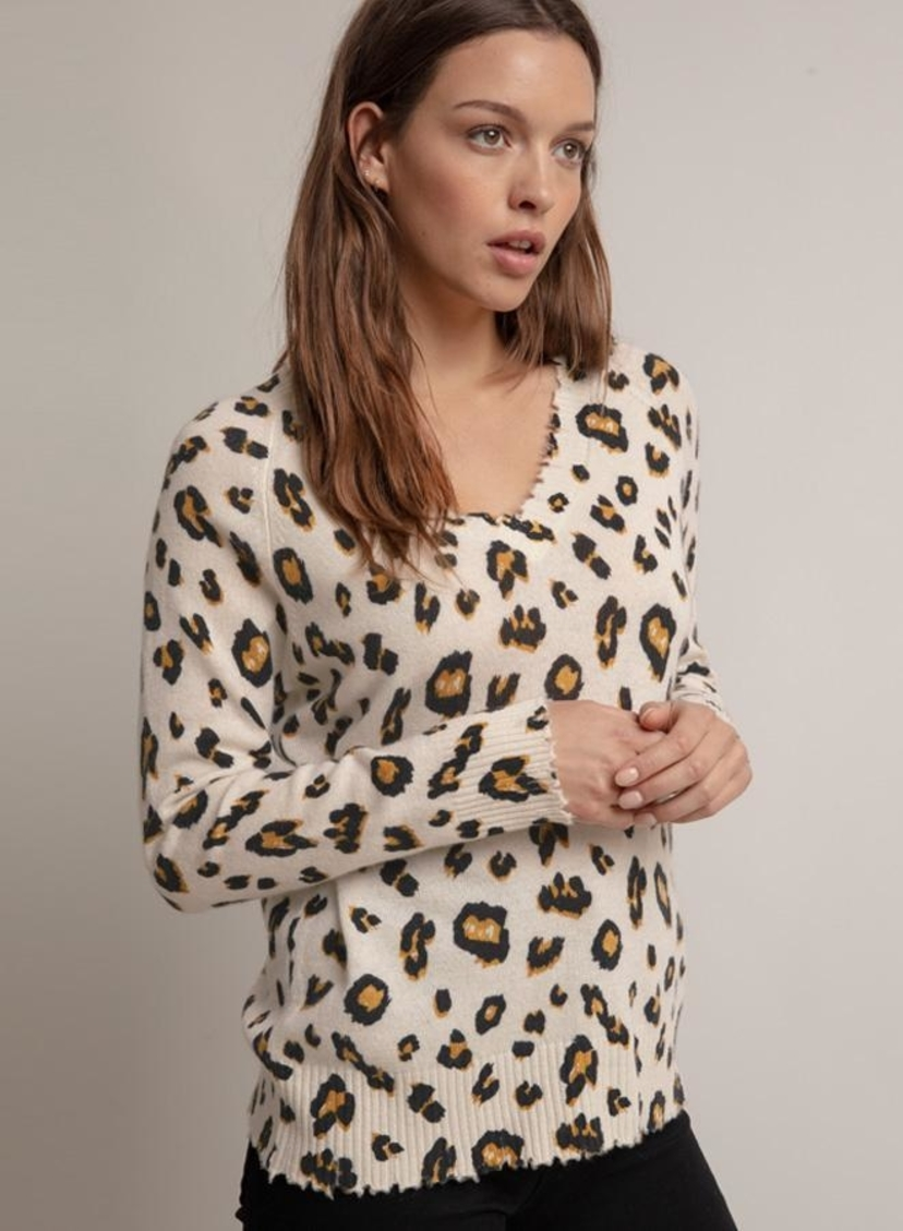 Minnie Rose CASHMERE LEOPARD PRINT DISTRESSED V-NECK