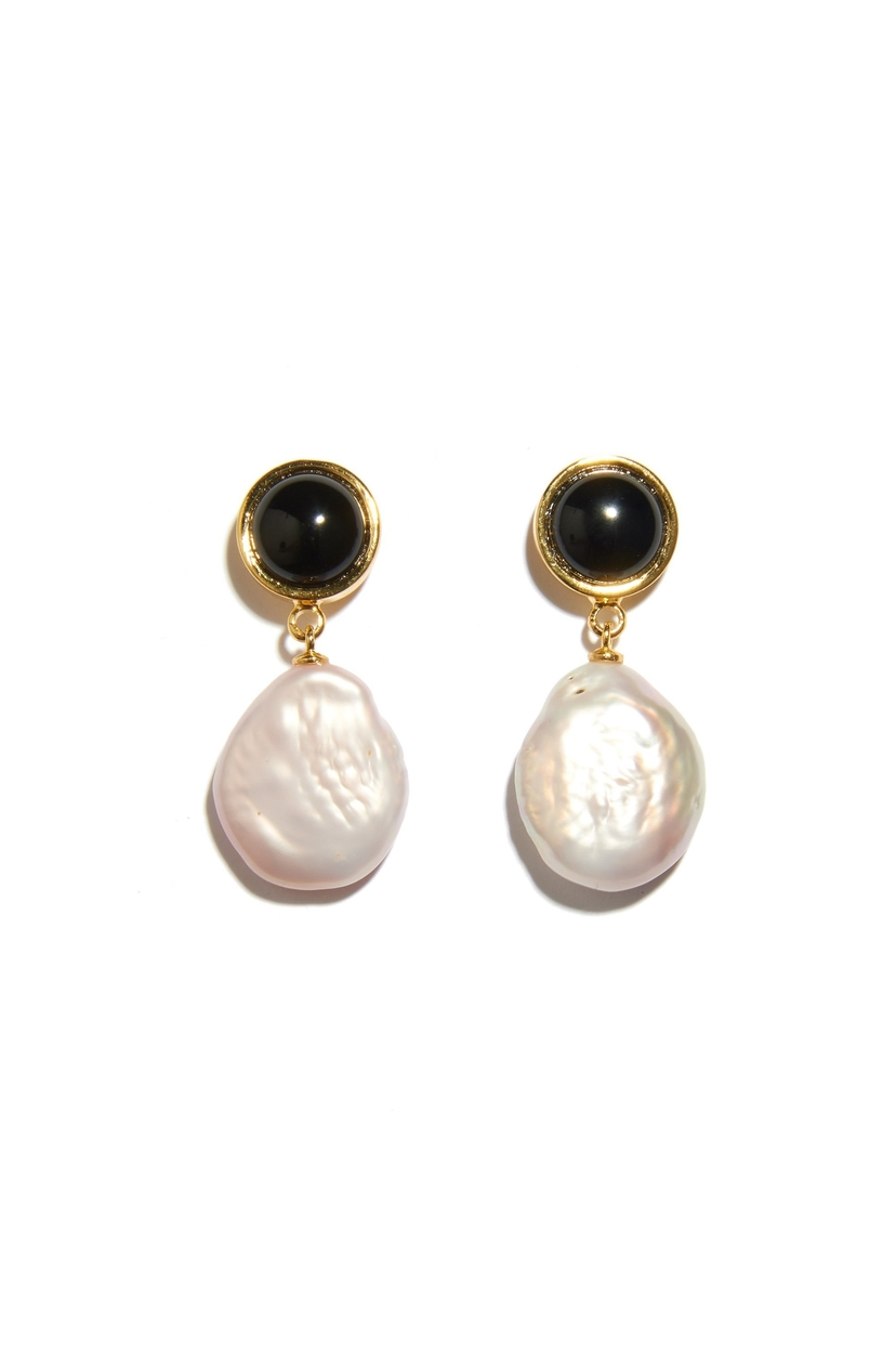 Lizzie Fortunato Tuxedo Pearl Earrings In Light Pink Jewelry