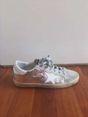 "Golden Goose Deluxe Brand ""Superstar"" Wrinkled Silver and White Star Sneakers Shoes"