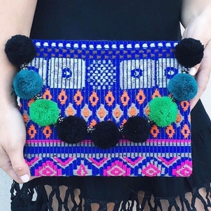 We've restocked one of our favorite clutches! Come grab one before they sell out again!!
