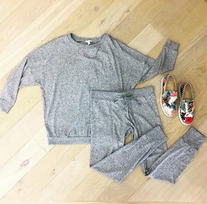If a // s u p e r  s o f t // sweat suit is @joie .. we think it's work approved