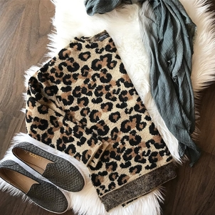 Kaanas Current Must Haves Shoes Tops