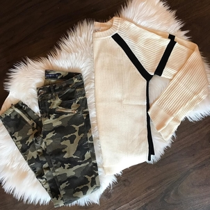 Feel the Piece Camo + Neutral Pants Tops
