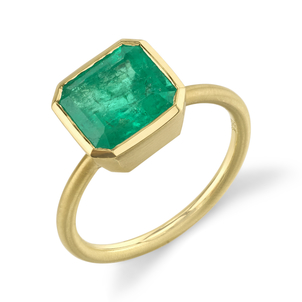Irene Neuwirth Yellow Gold Colombian Emerald Ring Jewelry