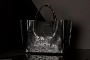 Ampersand As Apostrophe Half Tote - Black Camo Bags