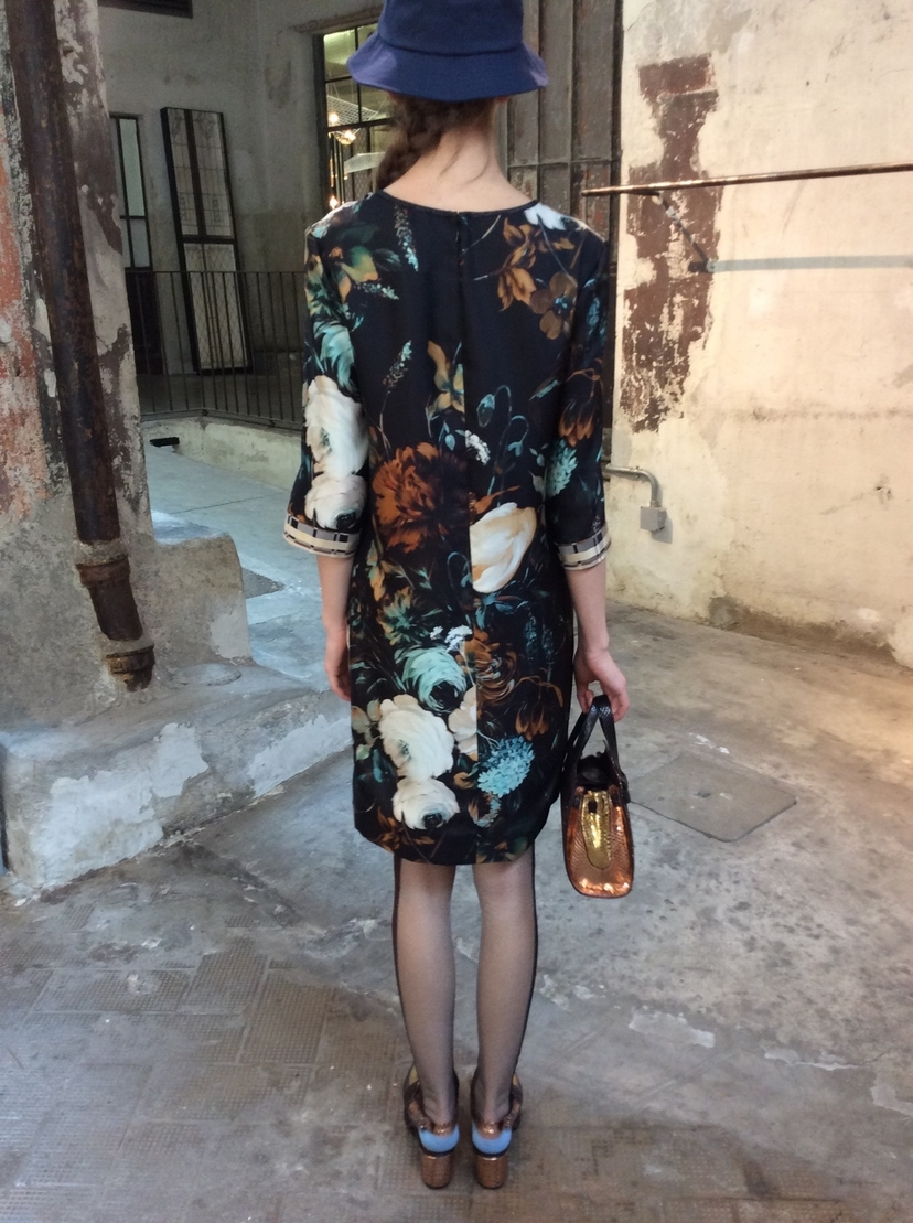 Antonio Marras Chic hand embroidered shift Dresses