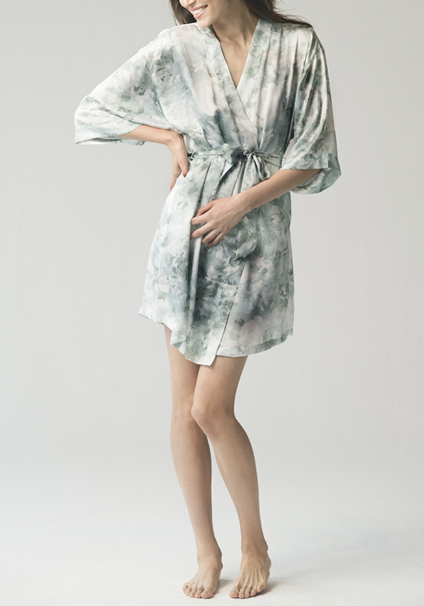 Jenny Yoo Isabella Robe - Watercolor Mist Gifts Sleepwear