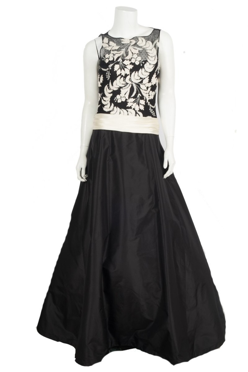 Monique Lhuillier Black Embroidered Ball Gown Sz 8 | House Account