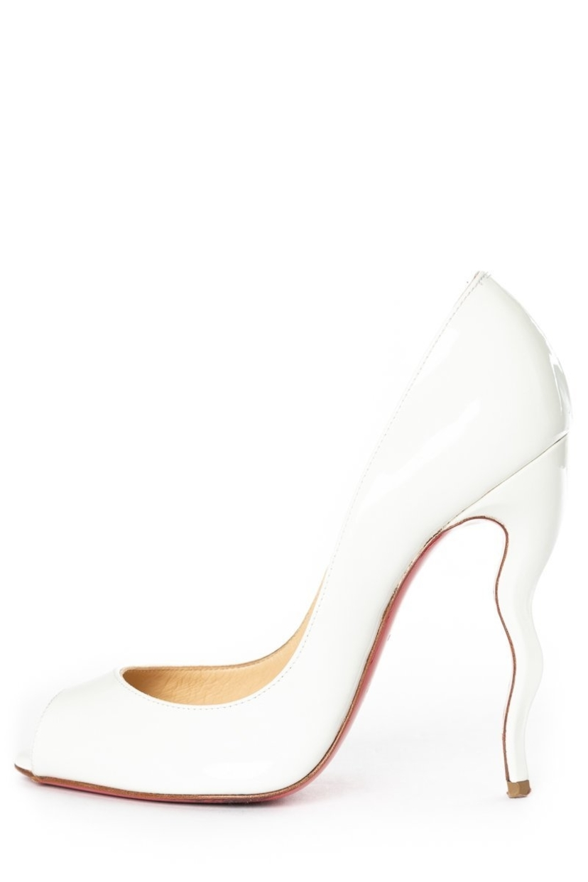 purchase cheap 92f83 c9f88 Christian Louboutin White Patent Leather Pumps 36 | House Account