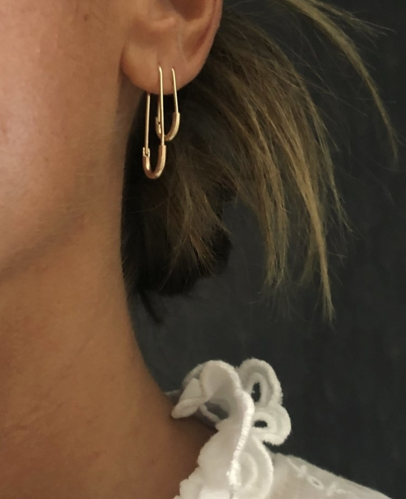 Fig. 7 14k Gold Lg Safety Pin Earrings Jewelry