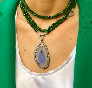 The Woods Fine Jewelry Diopside Bead Necklace with Agate Pendant Jewelry